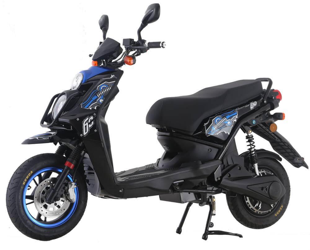 Sportlicher eScooter für Geschäftsleute in schwarz und blau. E-Business von Emofa.