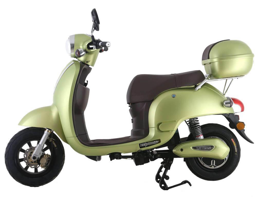 E-Young eScooter in grün. Für junge Menschen.